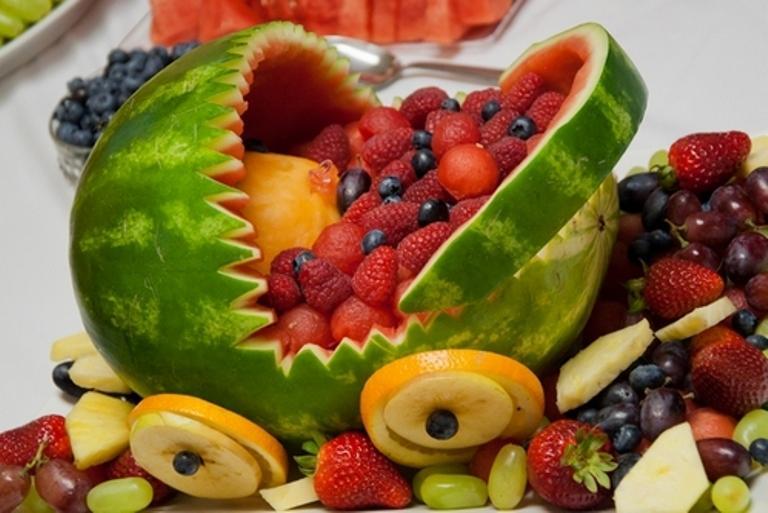 Свежих и натуральных фруктов и