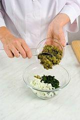 Приготовление блюда по рецепту - Пхали изшпината сгрецкими орехами. Шаг 3