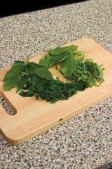 Приготовление блюда по рецепту - Борщ зеленый скрапивой. Шаг 1