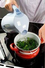 Приготовление блюда по рецепту - Пхали изшпината сгрецкими орехами. Шаг 1