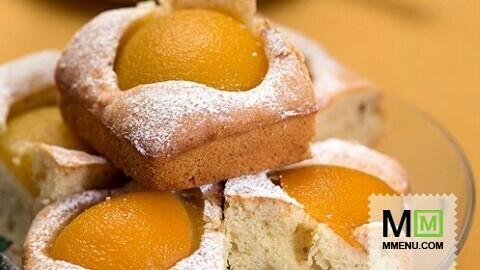 Персиково-миндальное пирожное