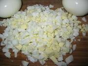 Приготовление блюда по рецепту - Праздничный салат фаршированный в фуршетные трубочки. Шаг 3