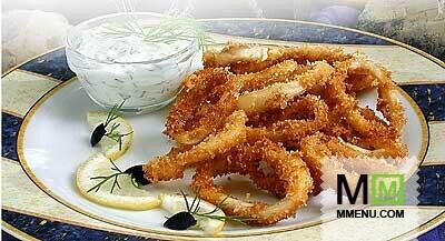 Жареные кальмары ссоусом тартар