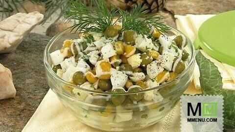 Салат изяиц, горошка икукурузы