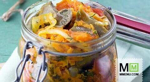 Грибной салат с помидорами
