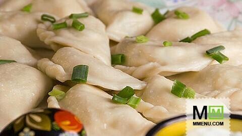 Вареники с зеленым луком и творогом - кулинарный рецепт ...: http://www.mmenu.com/recepty/pelmeni_vareniki/59781/
