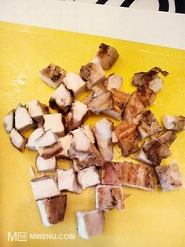 Приготовление блюда по рецепту - Ролл из лаваша с овощами и курицей. Шаг 5