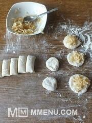 Приготовление блюда по рецепту - Диетические сырники с яблоками.. Шаг 3